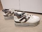 Стильные женские кроссовки на высокой платформе