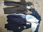 множество различной одежды